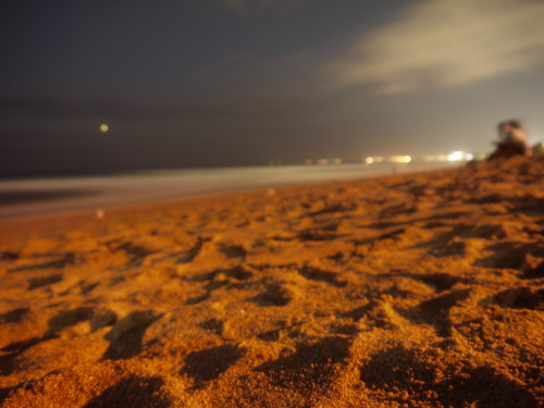 vanillaandwatermelons:  Bali beach at night