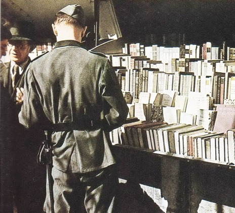 herbstzeitlose:  At a Paris bookstall, a soldier finds a German title among the French and English ones. Newsstands sold a daily paper and dozens of magazines in German