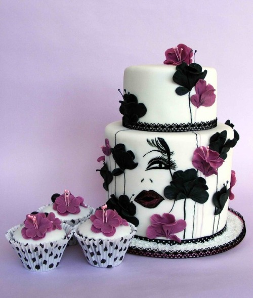 Ilovefood17 Purple And Black Cake With Matching Cupcakes