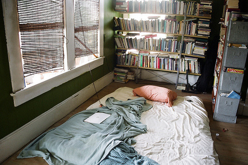 youthfairy:  gimme please   All I need is a small apartment, books to read, a bed on the floor, and people who love me as much as I love them.