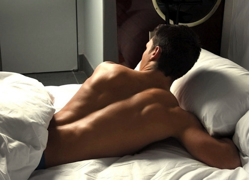 qetfit:  f-l-aws:  sexem:  wouldnt mind waking up next to that..  i don't think anyone would  TumbleOn)