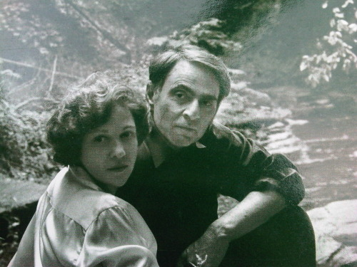 squeezedlemon:  Carl Sagan and Ann Druyan looking lovely together