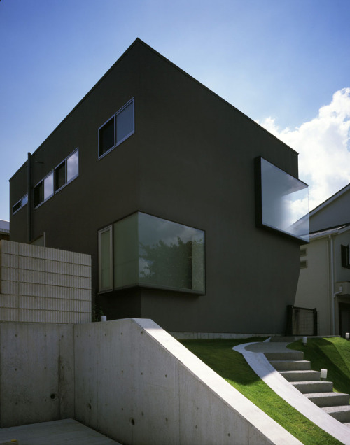 minimalarchitecture:  House in Suita / Horibe Naoko Architect Office