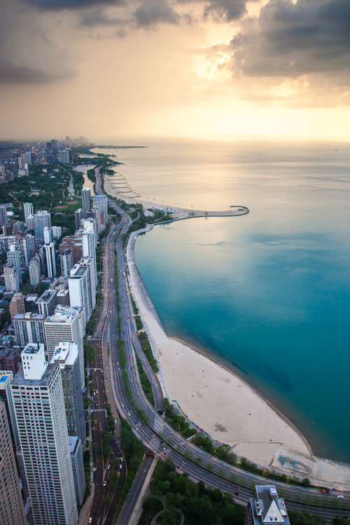Lake Shore Drive - Chicago (by cmozz)