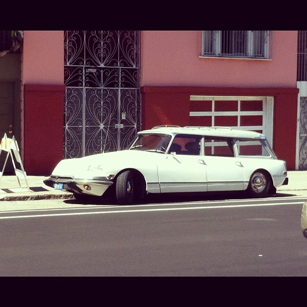Awesome Citroen wagon on 17th near Guerrero  (Taken with Instagram at 500 Club)