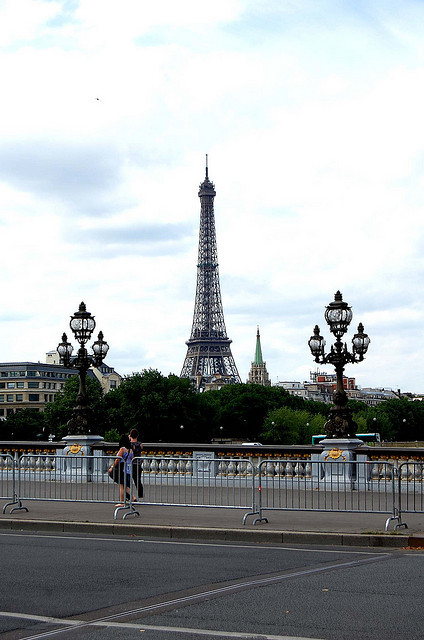 Tour Eiffel dal Ponte Alexandre III by rita_mitsuko on Flickr.