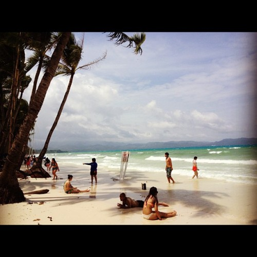 Unpredictable Weather in #boracay. I hope it stays like this the whole #sunday #weekend #atv #parasailing #wateractivities #heathers  (Taken with Instagram)