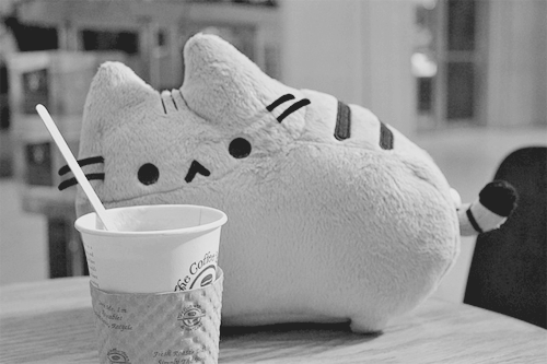Pusheen with the Coffee (by Green Tea Lover)
