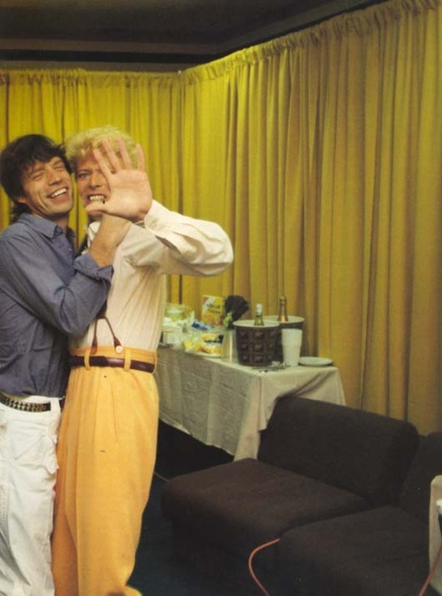 bohemea:  Mick Jagger & David Bowie KISS HIM!