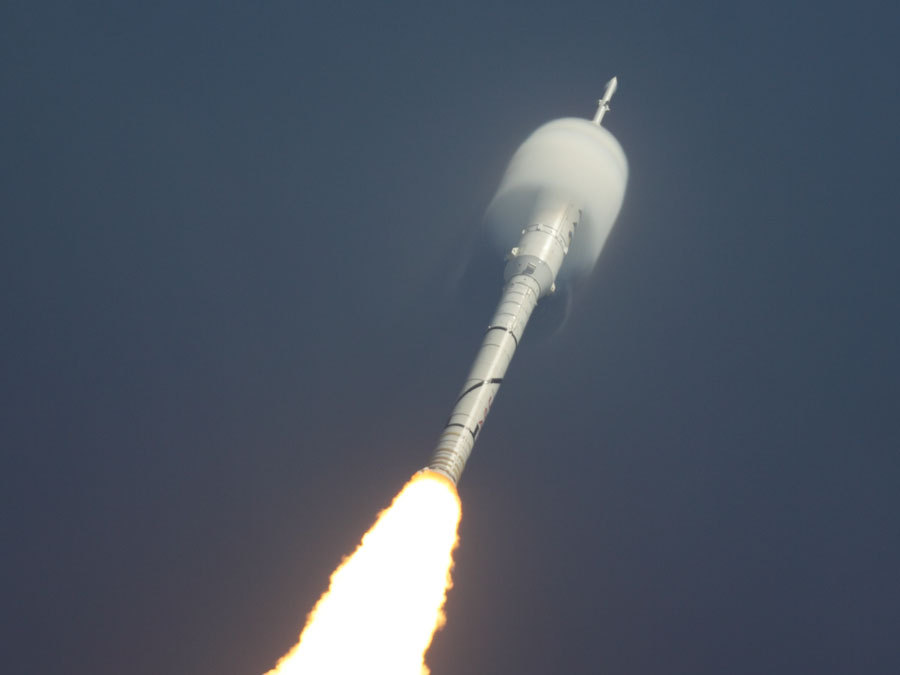 n-a-s-a:  Ares 1-X Rocket Lifts Off  Credit & Copyright: Rory A. Duncan (United Space Alliance)