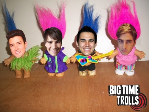 omjitsmegan:  This is about accurate right now. Rude BTR, rude.