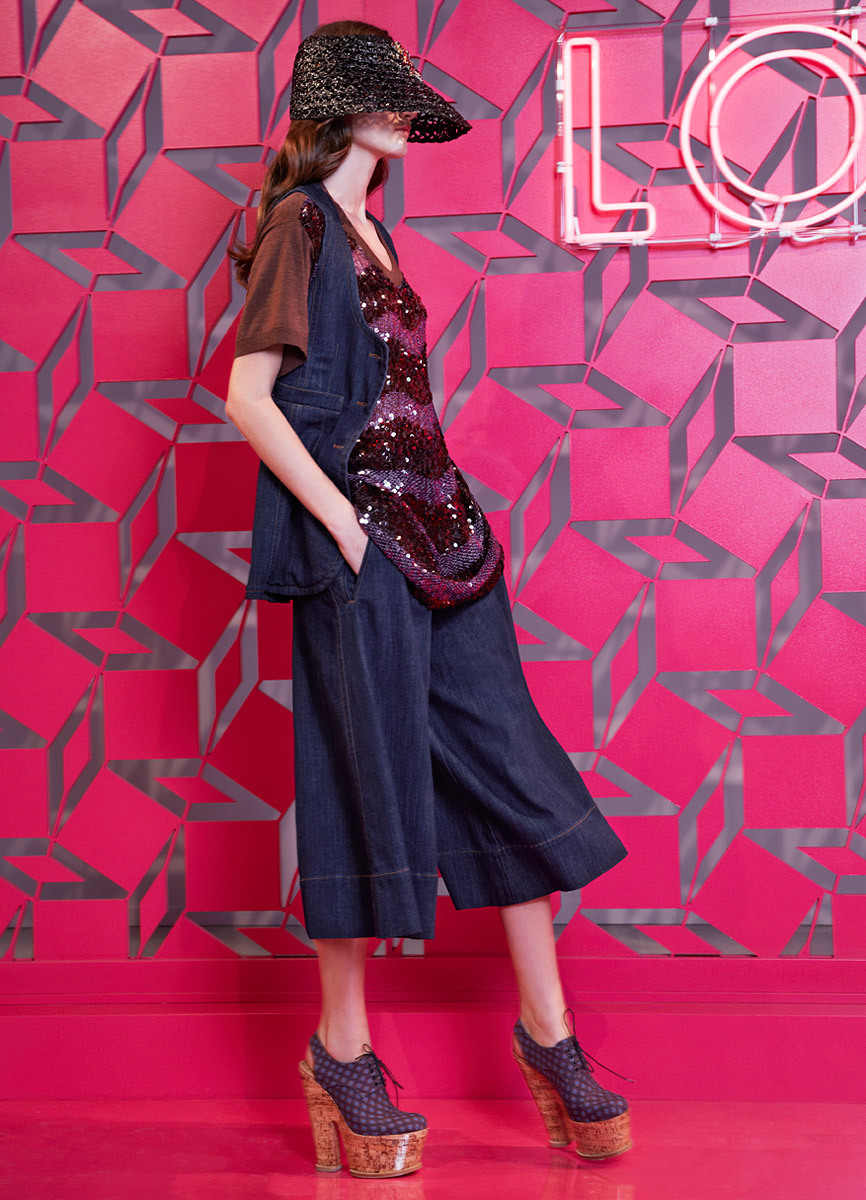 Louis Vuitton Resort 2013 Elegancia bohemia. Amo todos los zapatos. ….. Louis Vuitton Resort 2013 Bohemian elegance. I'm loving all the shoes.