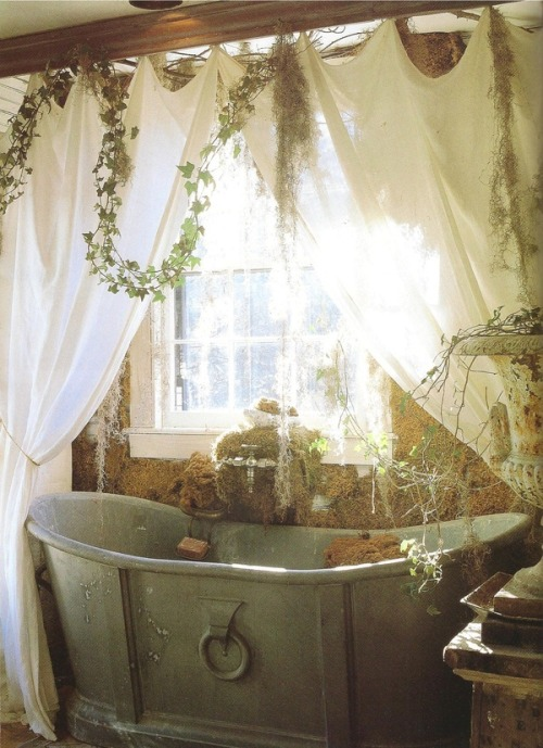 fallarcy:  imagine spending a sunny sunday morning with someone in this tub omg