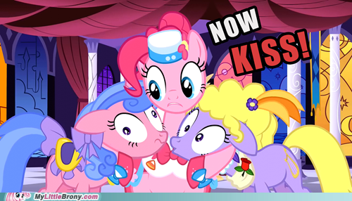 bronieslatinos:  now kiss
