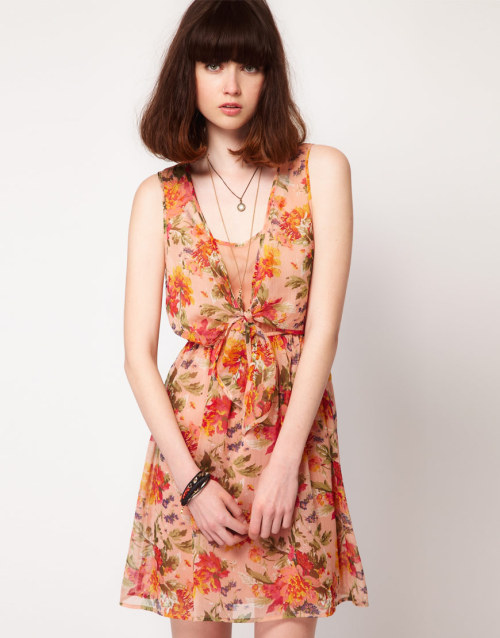 Lottie and Holly Tie Front Dress in Chiffon FloralMore photos & another fashion brands: bit.ly/JgQpQ7