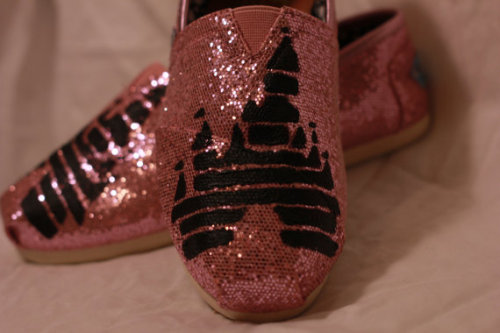 DISNEY LOVERS ♥ CHECK OUT THESE AMAZING DISNEY CASTLE TOMS MADE BY - www.theallegra.tumblr.com Just click on the photo and discover your new favourite shoes!
