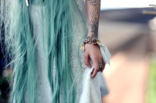 rose-bohoblue-dawson:  blue❋green❋pink