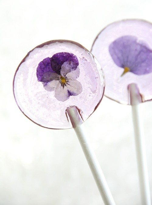 e-d-i-b-l-e:  spring flower lollipops.