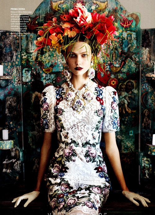 thefashionatelier:  Karlie Kloss photographed by Mario Testino for Vogue US July 2012