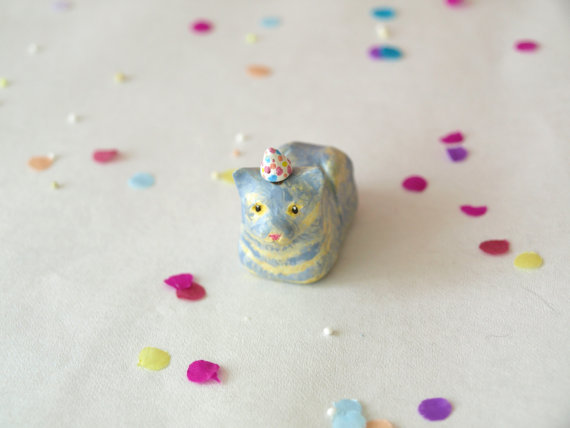 (via Party Animal Figure Birthday Cake Topper Mini Clay by waterbirds)