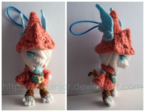 sequinjar:  A Freya amigummy I made a few months back. :)  OMG…so…cute…tiny…Freya…. omgiwantoneofgeneralbeatrixlikenowlpx