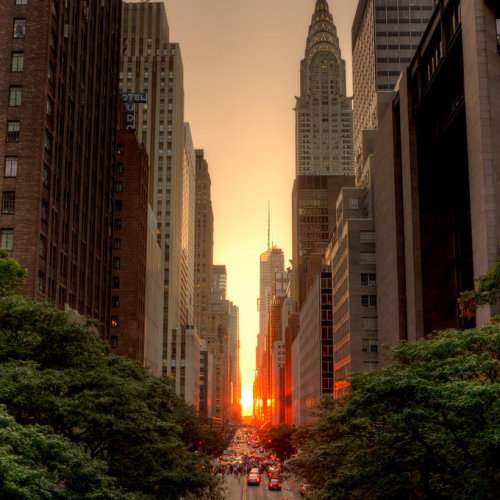 Manhattanhenge, July 2011 (by: Justin Kiner)