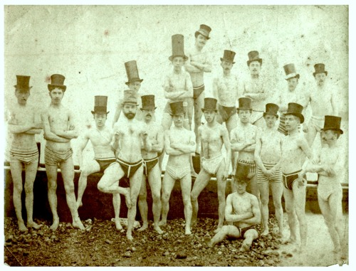 securelyonafairywing:  lostsplendor:  The Brighton Swimming Club, 1863 (via Retronaut)  New favourite picture.
