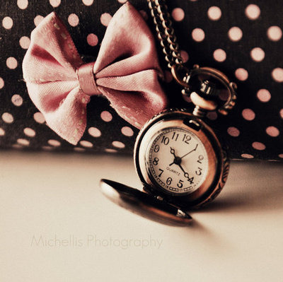 sarahemily1992:  Clock,Fashion,Loop,Polka dot,Ribbon,Vintage,Watch,
