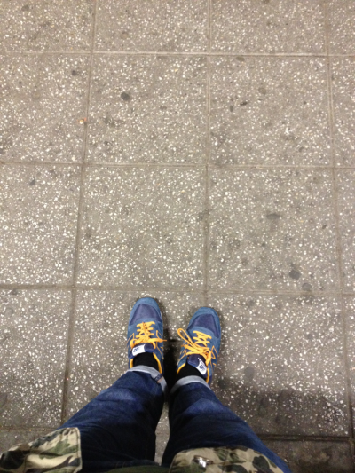 afallofsorts:  st000pid:  Waiting for train  big love for these NB's