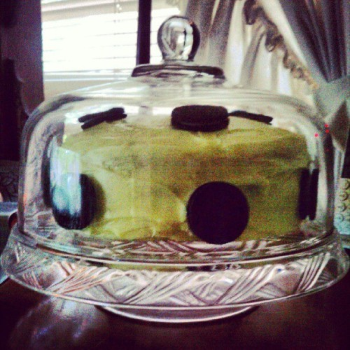 Custom lemon oreo birthday cake #BirthdayTweet (Taken with Instagram)
