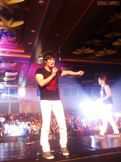 120616 | Shinhwa 'The Return': Singapore - Kim Dong Wan  Dongwan oppa! I got to see how strict he was first-hand. I feel bad that they were having trouble with the monitors, but I think they still sounded great. <3