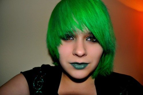 I used a mixture of pinky color alpine green and manic panic lizard green o:  http://imflyingnowhere.tumblr.com/