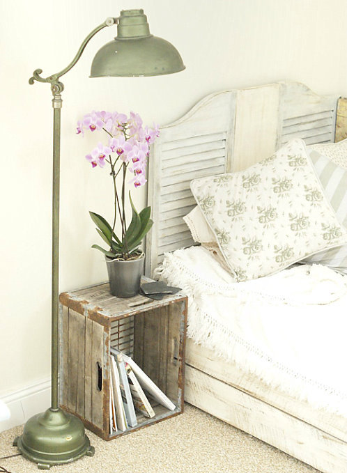 dyingofcute:  shabby chic with a touch of diy