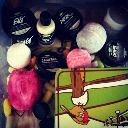 disappear-into-thin-air:  Added to my Lush drawer.  why do so many people keep fresh face masks out of the fridge?