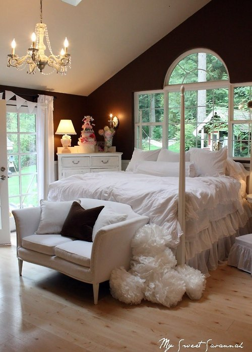 sweet bedroom with a lovely window