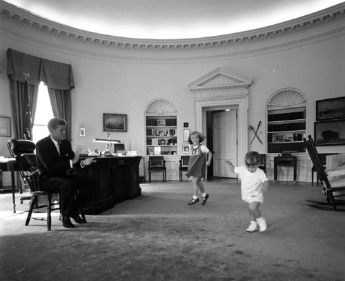 Photo Gallery: Presidents as Fathers In honor of all the awesome dads out there, a Presidential Father's Day gallery from the White House blog. Happy Father's Day! Pictured, John F. Kennedy claps as his children, Caroline and John, Jr. dance in the Oval Office. 10/10/62