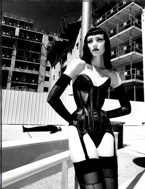 red-lipstick:  Helmut Newton (1920 – 2004) - Le Grand Palais           Photography