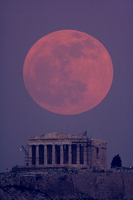 Amazing view of the Parthenon in Athens