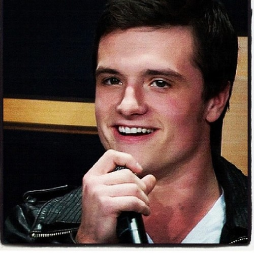 Good night IG 💤.     #josh #hutcherson #joshhutcherson #jhutch #thg #hg #thehungergames #hungergames #tribute #peeta #mellark #peetamellark #catchingfire #mockingjay #district12 #theboywiththebread @jhutch1992 @iamjoshhutcherson (Taken with Instagram)