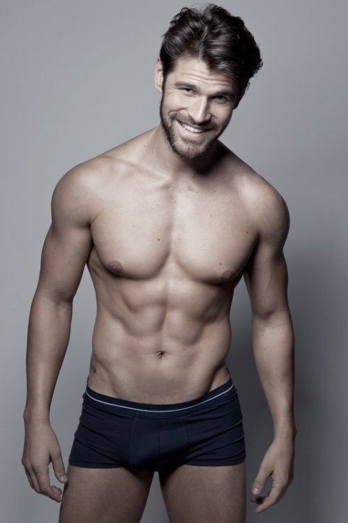yellowasian:  Samir Goulart