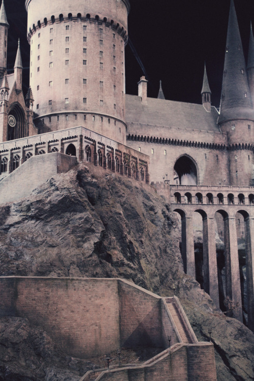 yilk:  the model of hogwarts is actually the most incredible thing ive ever seen