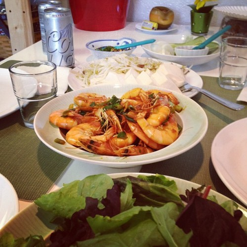 Father's Day Lunch: Sautéed shrimp, tofu, mushrooms and sprouts, with mixed greens (Taken with Instagram)