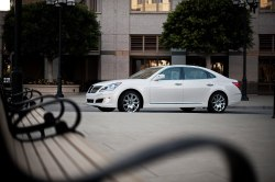 nikkobust-it-outt:  2012 Hyundai Equus