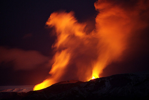 Fimmvörðuháls eruption by fredrikholm.se on Flickr.
