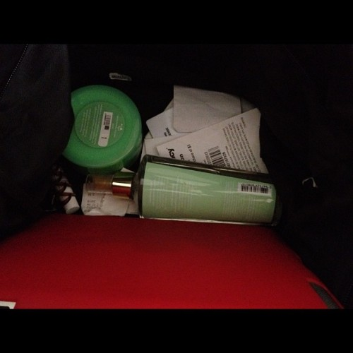 #photoadayjune #day17 #inyourbag not much… #ipad3 #vickisecret #bodybutter #spray #hairclip #cocoabutterlipbalm #receipts   (Taken with Instagram)