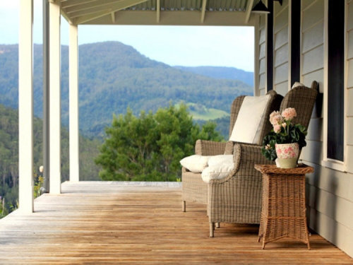 Glen Athan Retreat at Berry in the Kangaroo Valley, New South Wales. For sale here (via desire to inspire)