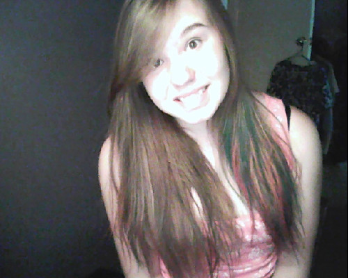 KOOL AID HAIR AGAIN. YESS:D
