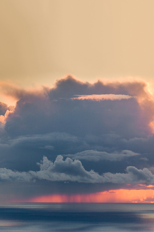 opcion:   Nuclear sunset off the Big Sur coast (by SkyReiter)