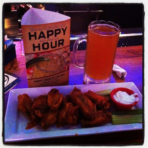 #chillis#wings#happyhour#summerale#samadams#fathersday#wesssssst (Taken with Instagram at Chili's Grill & Bar)