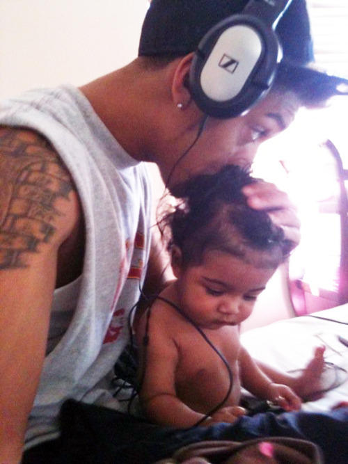 cutestboysontheplanet:  Happy Father's Day to me? :)) www.smoove-af.tumblr.com